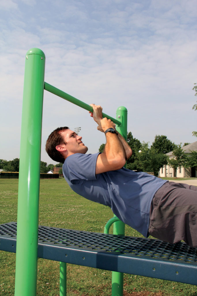 horizontal chin-up